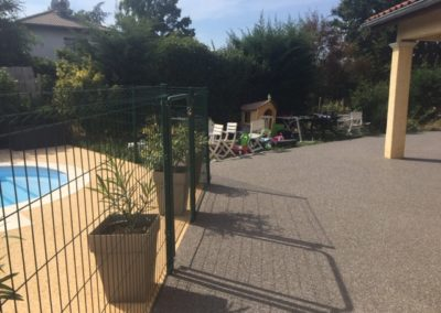 Résines de sols extérieures, plage piscine & terrasse